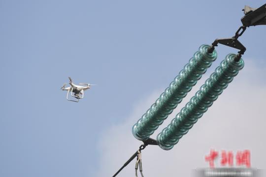 湖南采用无人机电力巡检