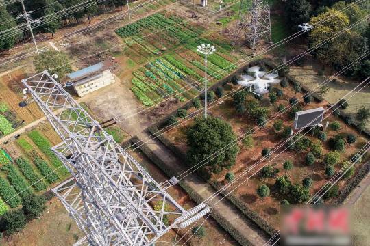 无人机巡检电力线路